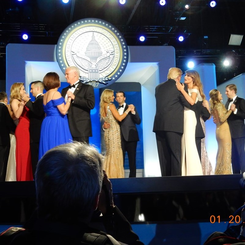 The President and Vice President with their families at the ball