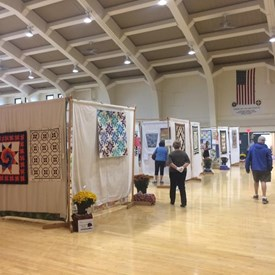 The Illini Country Stitchers Fall Quilt Show was a treat to the eyes!