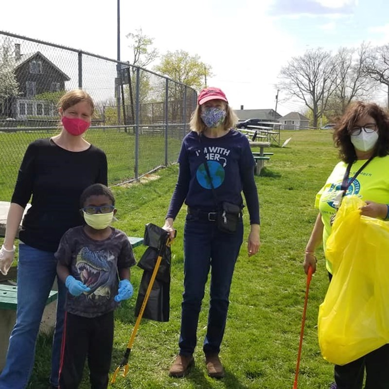Neighborhood Clean Up at Mack Park. Earth Day!
