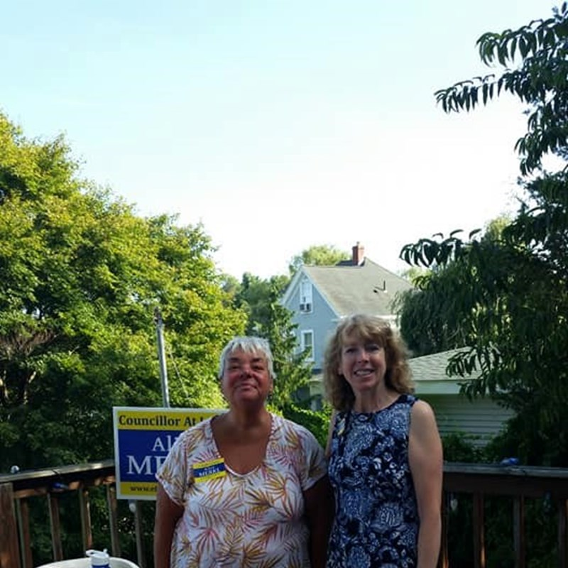 Thank you Norene Comito Gachignard for hosting our meet and greet tonight at your lovely home! It was a pleasure to meet and talk with your neighbors about all things Salem. Thanks Denis Castleton for your help!