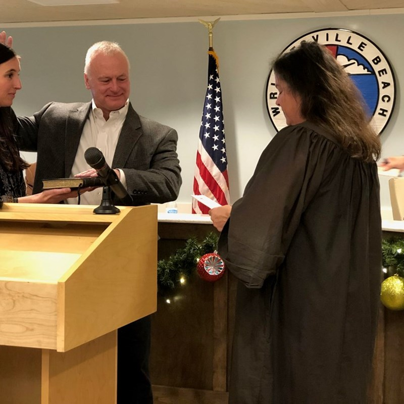 Judge Sandra Alice Ray swearing in Wrightsville Beach Mayor Darryl Mills