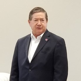 Gubernatorial Democrat candidate Drew Edmonson visits with Mustang leaders at the Mustang Positive Posse Meeting (July 7, 2018).