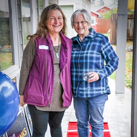Mary Shallert finds time with Lyn!