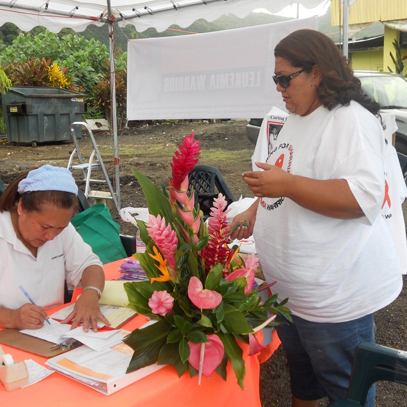 Aunty Tui & Aunty Saouila (wo)manning the $ receiving table