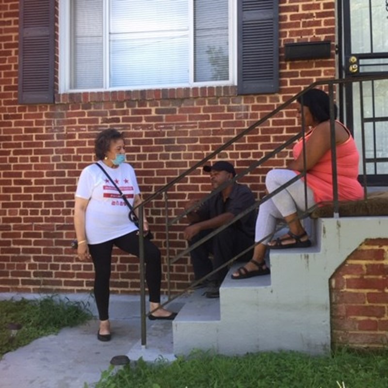 Barbara listens to the concerns of Ward 7 residents.