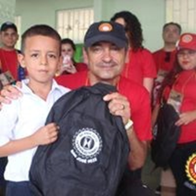 Helping Kids with school supplies in Costa Rica